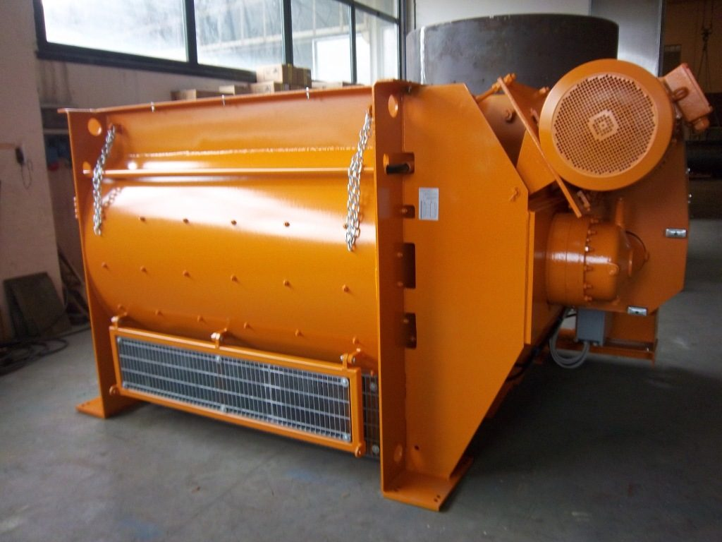 http://www.cm-concretemixers.it/wp-content/uploads/2016/07/MB3000-2.0m3-with-motors-up-1024x768.jpg